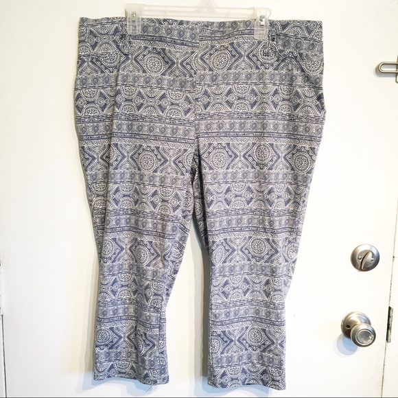 be3766767b4 NWT Plus Size Mediterranean Print Crop Jeggings. NWT. Terra   Sky